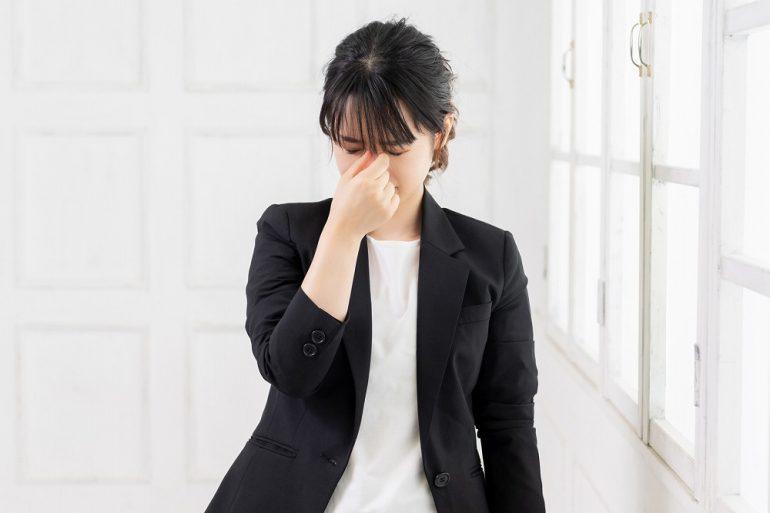 眼精疲労は目だけでなく体にも症状が現れる!?