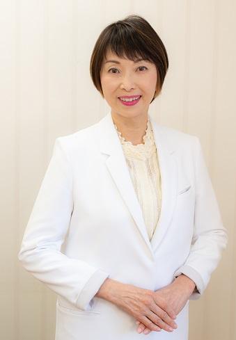 ごあいさつ 院長 藤本可芳子